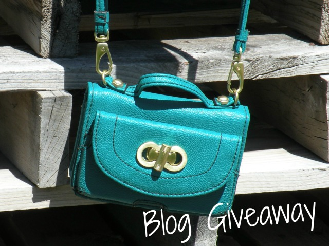 Blog Cross-Over Bag Giveaway
