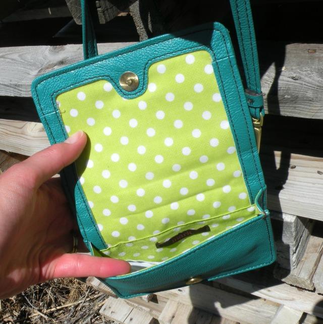 Cross-Over Bag Giveaway m